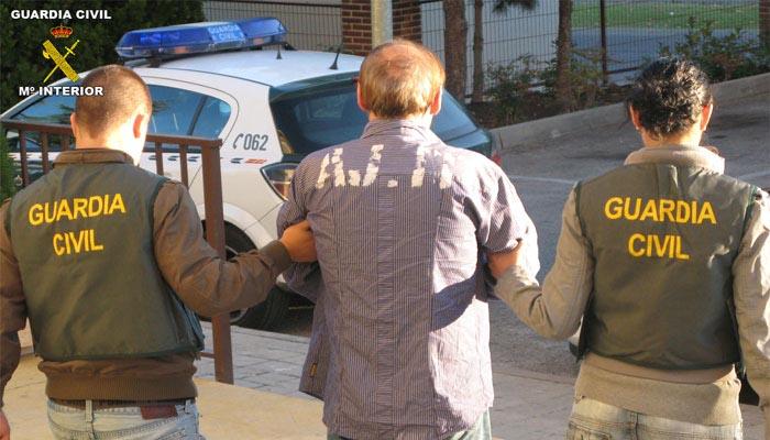 Imagen de archivo de una detención efectuada por agentes de la Guardia Civil