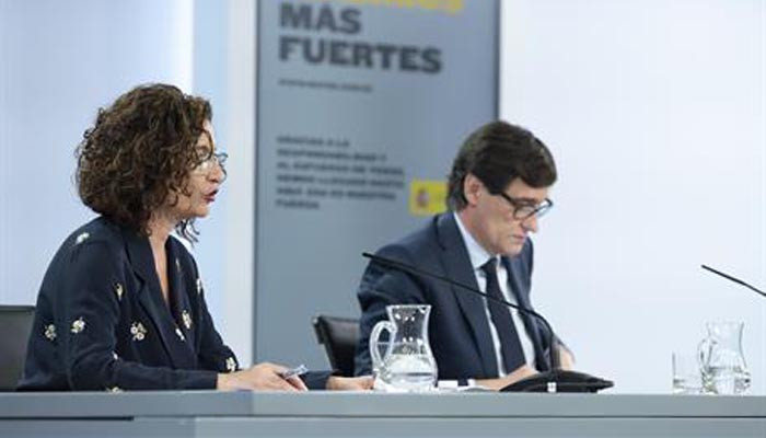 María Jesús Montero y Salvador Illa, en declaraciones a los medios