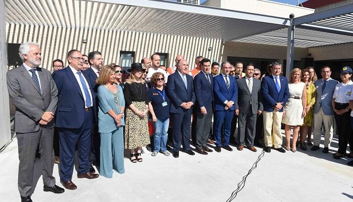 Moreno Bonilla visita el dispositivo de la OPE en Algeciras