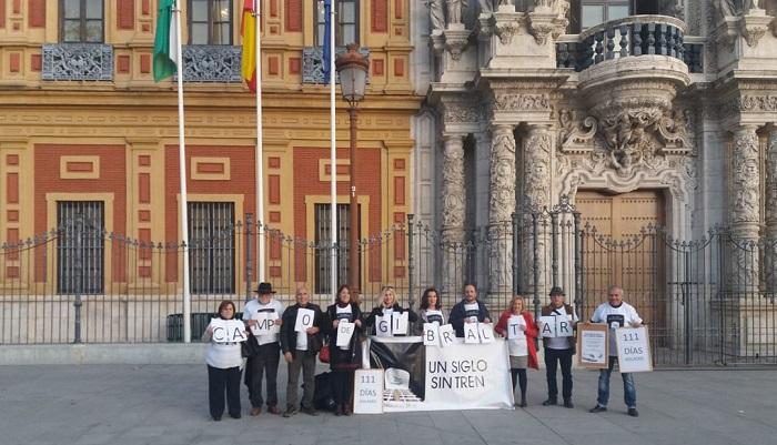 La plataforma Andalucía Bay 2030 se concentrará este domingo ante la sede del Ministerio de Fomento