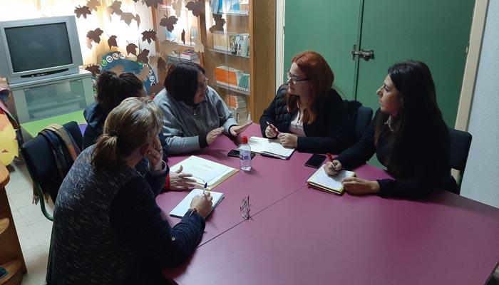 Un momento de la reunión celebrada en el colegio