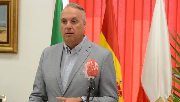 El alcalde de San Roque, Juan Carlos Ruiz Boix, ha hecho balance del año de mandato