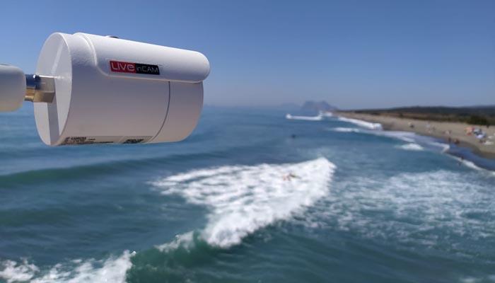 Una de las cámaras que ofrecen imágenes en directo de las playas de San Roque