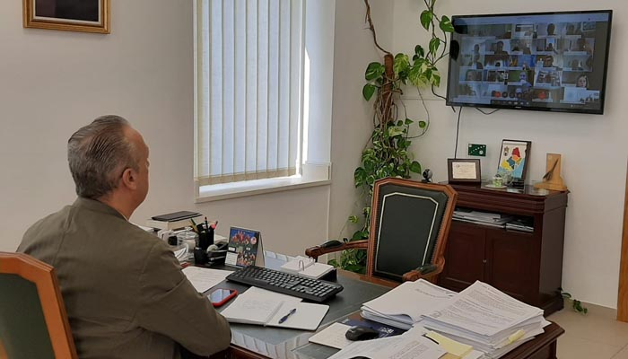 El alcalde de San Roque, durante la videoconferencia