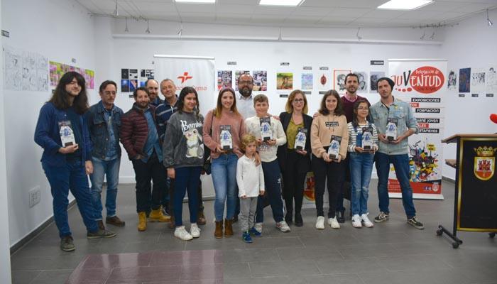 Foto de familia de los premiados en el certamen