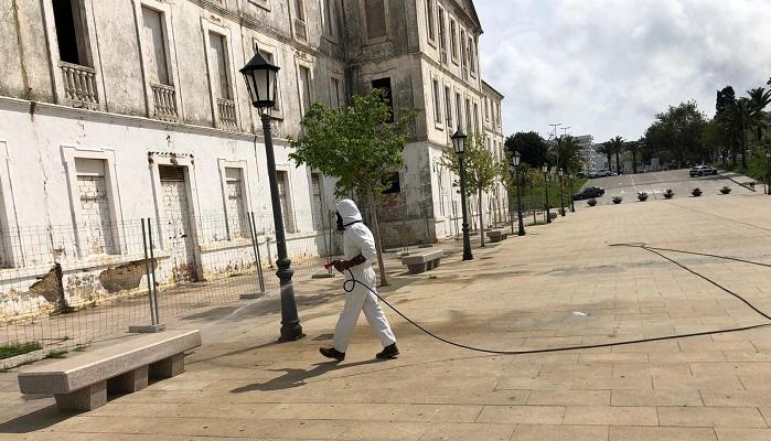Siguen los trabajos de desinfección en San Roque durante el fin de semana