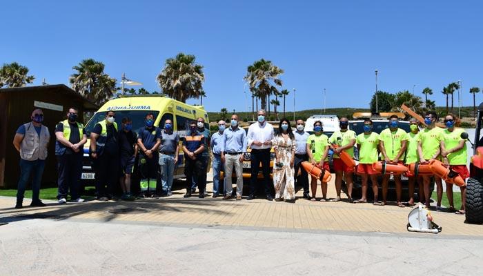 Los servicios de socorrismo se han presentado en la playa de Torreguadiaro