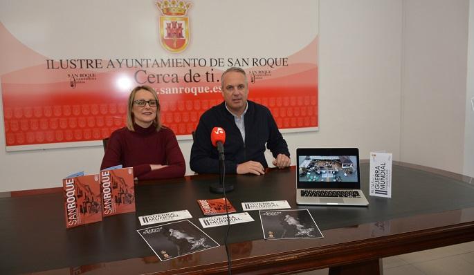 Ana Ruiz, concejal de Turismo, y Juan Carlos Ruiz Boix, alcalde de San Roque