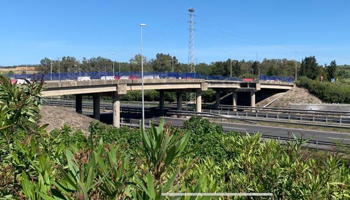 Imagen del puente sobre la A7.