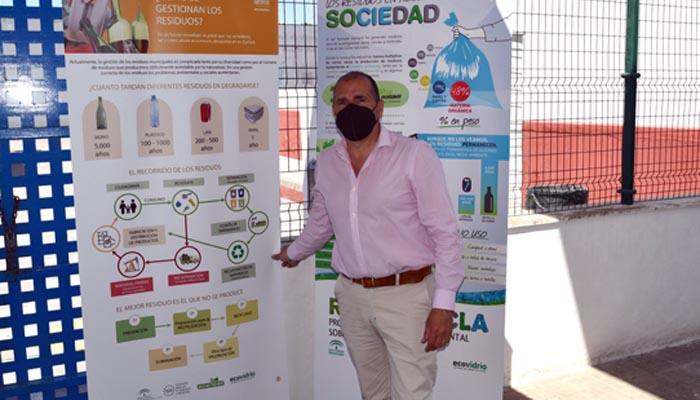 Los paneles de la exposición itinerante del Día del Reciclaje. Foto: Multimedia