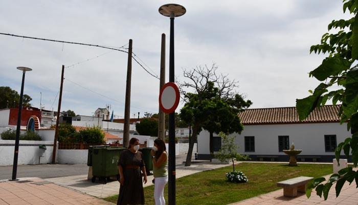 Luminarias instaladas en Guadarranque. Foto: Multimedia