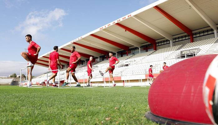 El Algeciras empezará la liga visitando el Mini Estadi de Barcelona