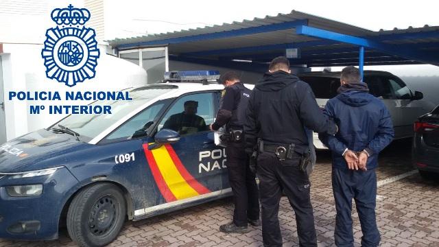 La Policía Nacional detuvo a una persona tras una persecución