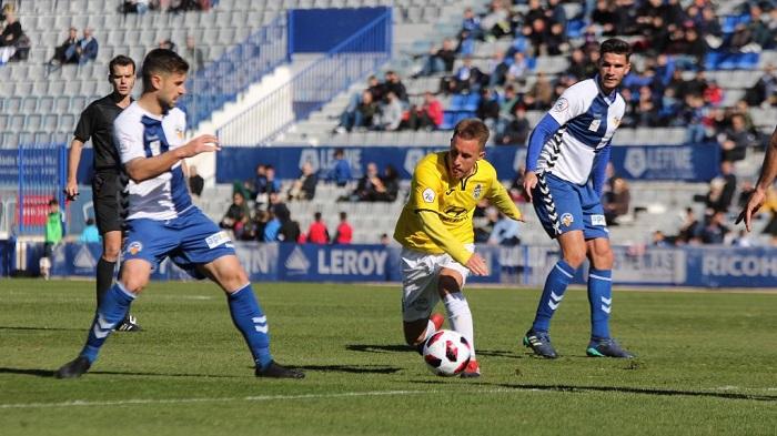 El Algeciras se hace con el mediapunta Yelko Pino