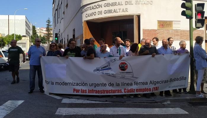 La Plataforma por el Ferrocarril se concentra en Algeciras