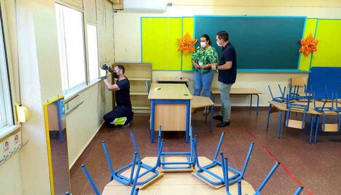 Laura Ruiz en su visita al centro educativo Adalides, en La Granja