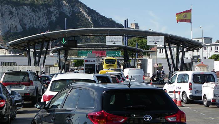 Paso actual por la verja de Gibraltar. Foto NG