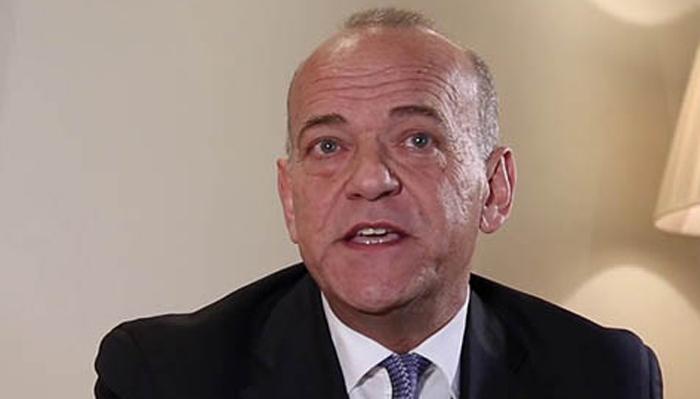 El ministro Albert Isola