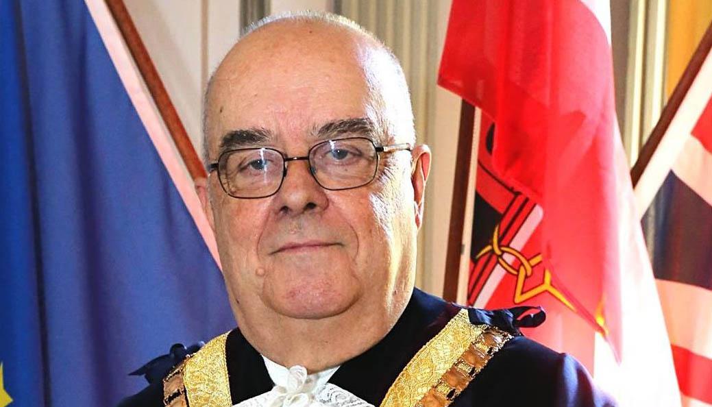 El alcalde de Gibraltar, John Gonçalves. Foto Fcbk