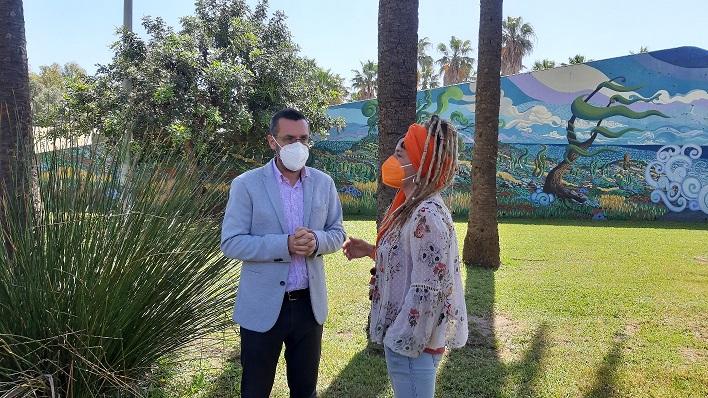 Juan Franco y Raquel Ñeco, esta mañana en el Parque. Foto: lalínea.es