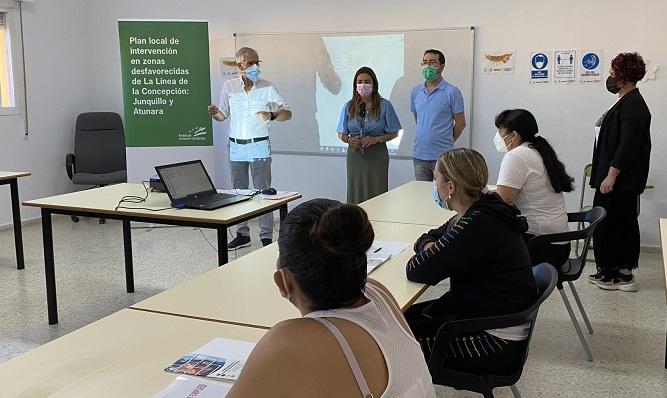 Un momento de uno de los cursos que se han iniciado hoy. Foto: lalínea.es