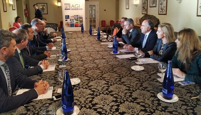 Reunión del consejero de Industria con los representantes de la AGI