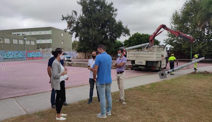 Algeciras instala alumbrado por detrás de las pistas de atletismo