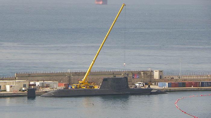 El HMS Ambush durante las recientes reparaciones de febrero en Gibraltar