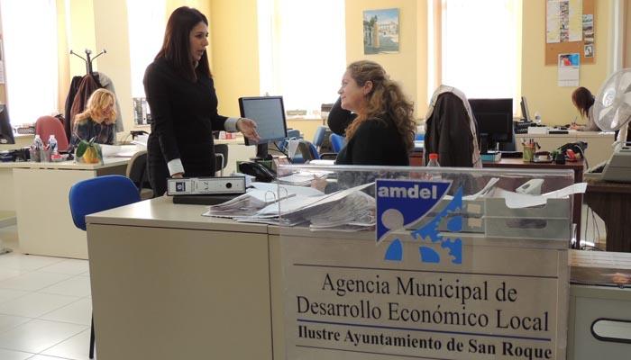 Belén Jiménez, en la oficina de Amdel