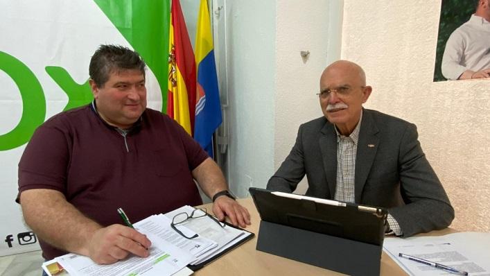 Antonio Gallardo, a la izquierda, junto al diputado Agustín Rosety