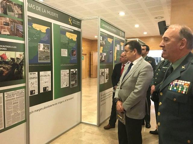 Antonio Sanz junto al coronel Jefe de la Guardia Civil de Algeciras, Jesús Núñez
