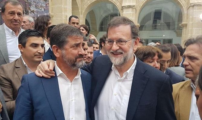 Juan Pablo Arriaga en una imagen de archivo junto a Mariano Rajoy