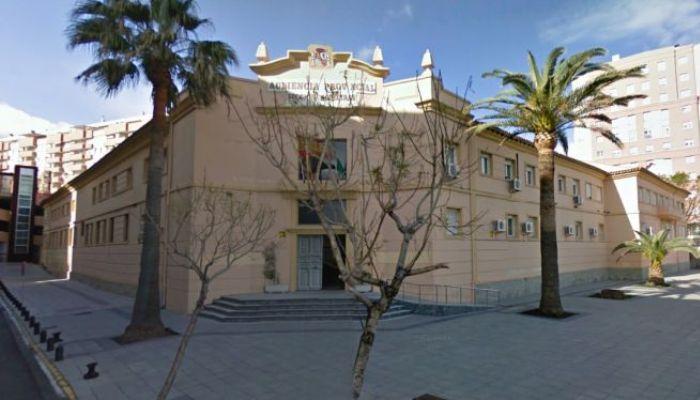 Los hechos sucedieron junto a la Audiencia Provincial en Algeciras