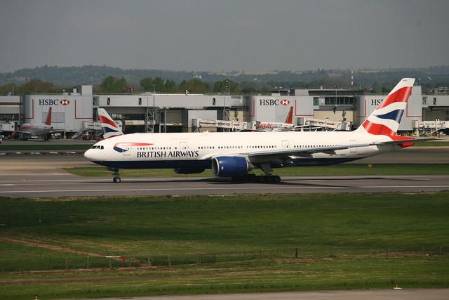 Un avión de British Airways en el aeropuerto de Gatwick
