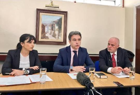 La oposición reclama consenso en materia educativa