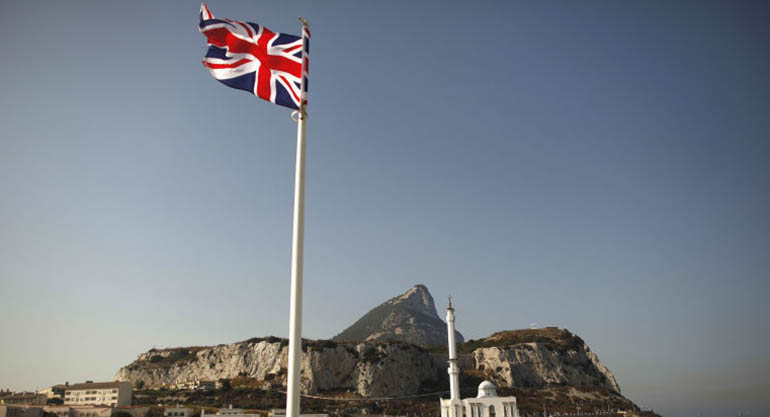 Las autoridades de Gibraltar han liberado, con cargos, a los marineros