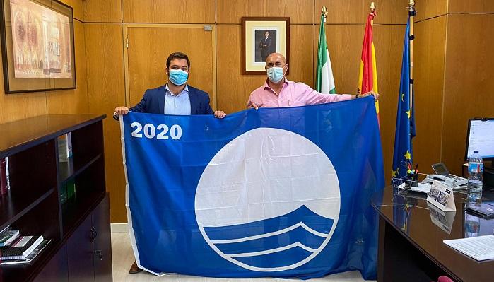 Algeciras recoge la Bandera Azul que ondeará en Getares