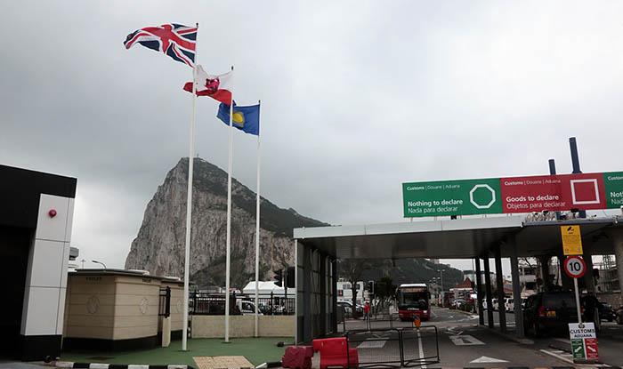 La bandera de la Commonwealth ondeaba en la Verja el año pasado