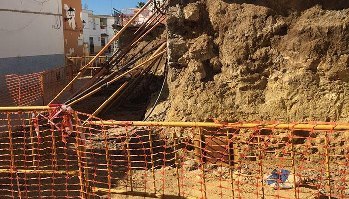 El PP de San Roque denuncia el estado de las obras en la barriada de La Paz