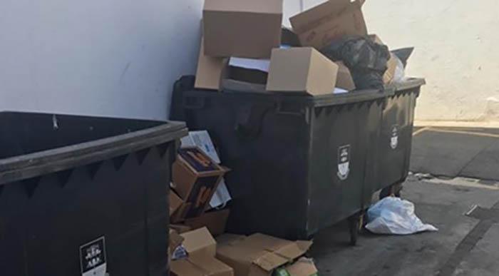 Basura acumulada en las calles de Gibraltar