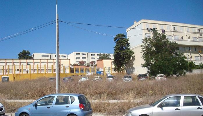 Las obras de reurbanización de la calle Bombita de Algeciras, en agosto