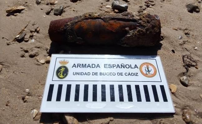 Proyectil de 3 pulgadas localizado estos días y desactivado por los buzos de la Armada. Foto ORP San Fernando