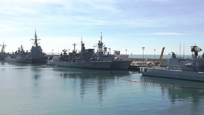 Buques de distintos países de la OTAN atracados esta mañana en la Base Naval de Rota. Foto LR
