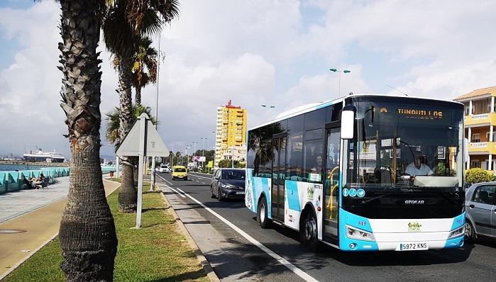 Un autobús del servicio urbano de La Línea de la Concepción