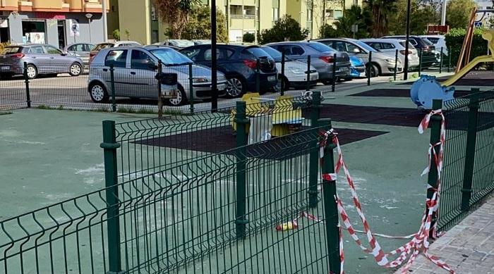 Los parques infantiles de Algeciras, cerrados para contener el Covid-19