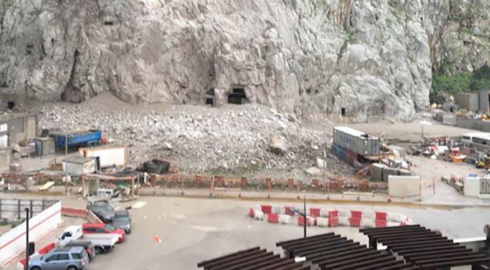 Rocas caídas tras el último temporal en Gibraltar