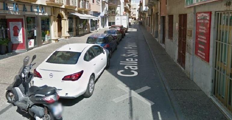 Una imagen de archivo de una céntrica calle de La Línea