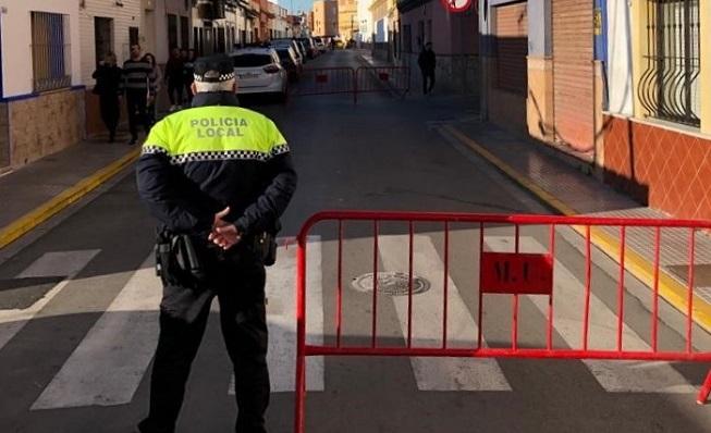 Un agente de la Policía Local en un dispositivo especial de colegios