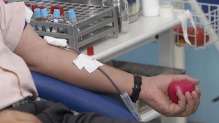 Un donante de sangre, en una campaña anterior. Foto: NG