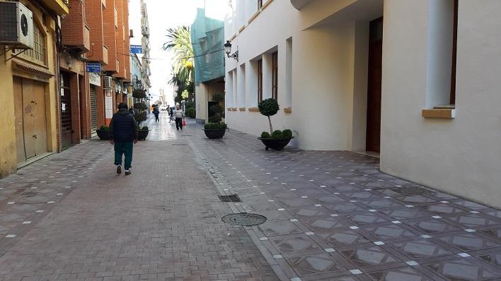 La calle Carboneros ya con su nuevo aspecto peatonal